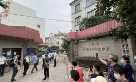 今年上海中考作文题公布,有点出乎意料